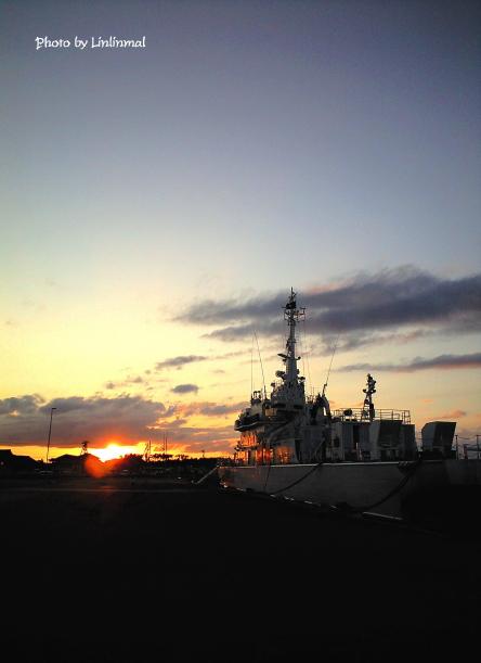 巡視船はくさんと夕景B-1.jpg